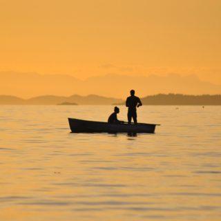 Wie eine Nixe am Wasser kann die Fischfrau Männer verzaubern sodass sie in ihre Seele hinabtauchen möchten um ihr Geheimnis zu lüften