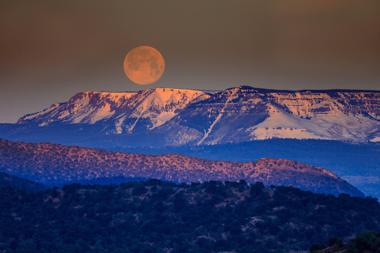 Diese Tipps für dein Mondzeichen bringen dich seelisch sofort wieder ins Gleichgewicht